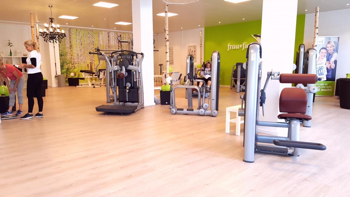 frauen fitnessstudio langenargen frau figur fitnessclubs. Black Bedroom Furniture Sets. Home Design Ideas